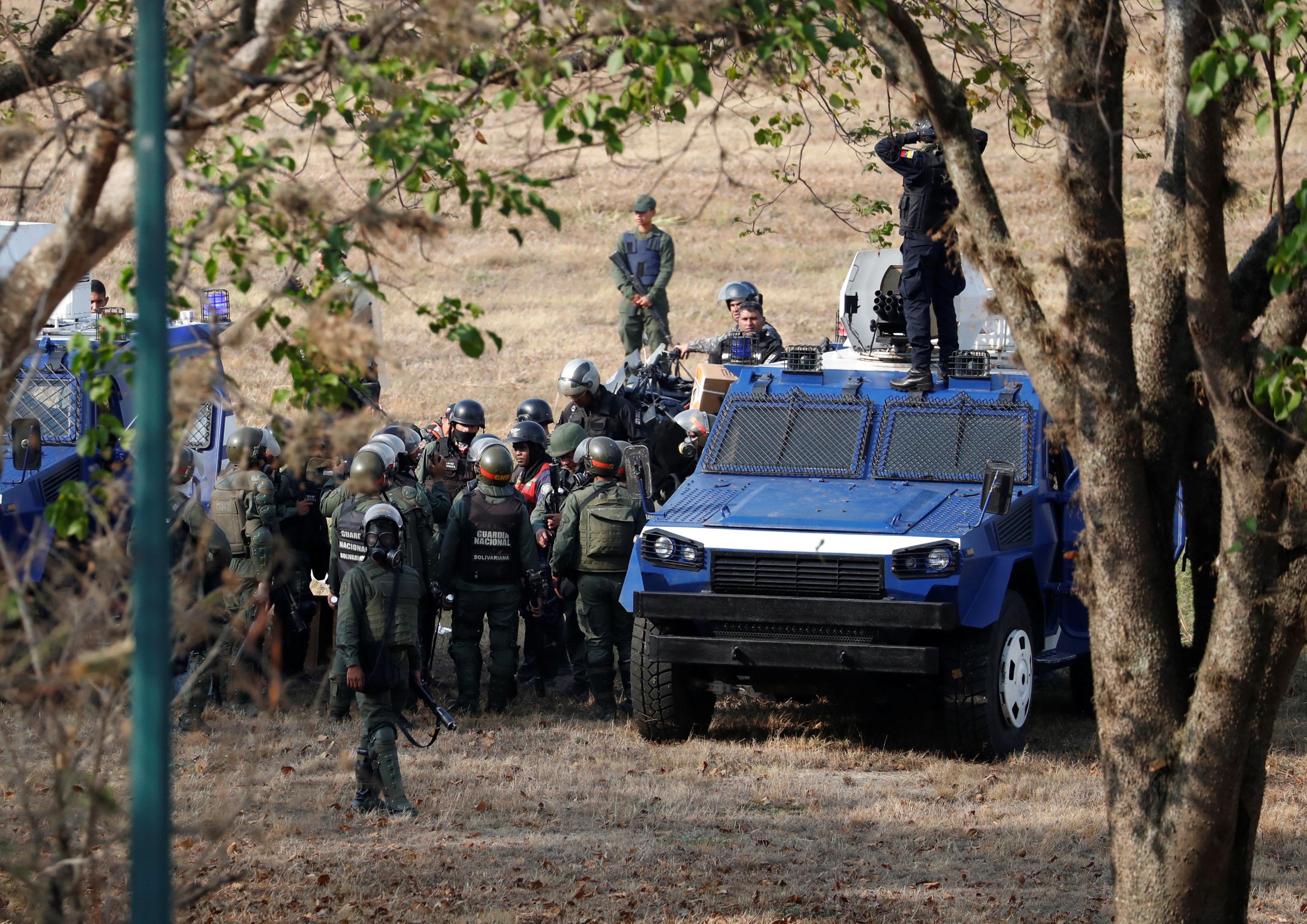 2019-04-30T143455Z_1042219197_RC19AF42DC20_RTRMADP_3_VENEZUELA-POLITICS