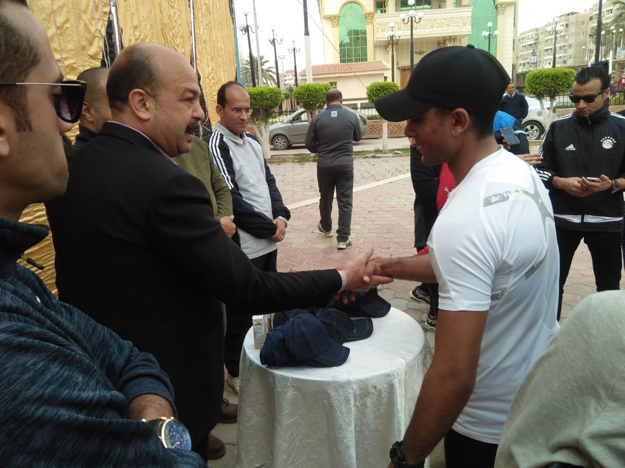 جري ومشي لتنشيط الأحياء السكنية بمدينة كفرالشيخ  (6)