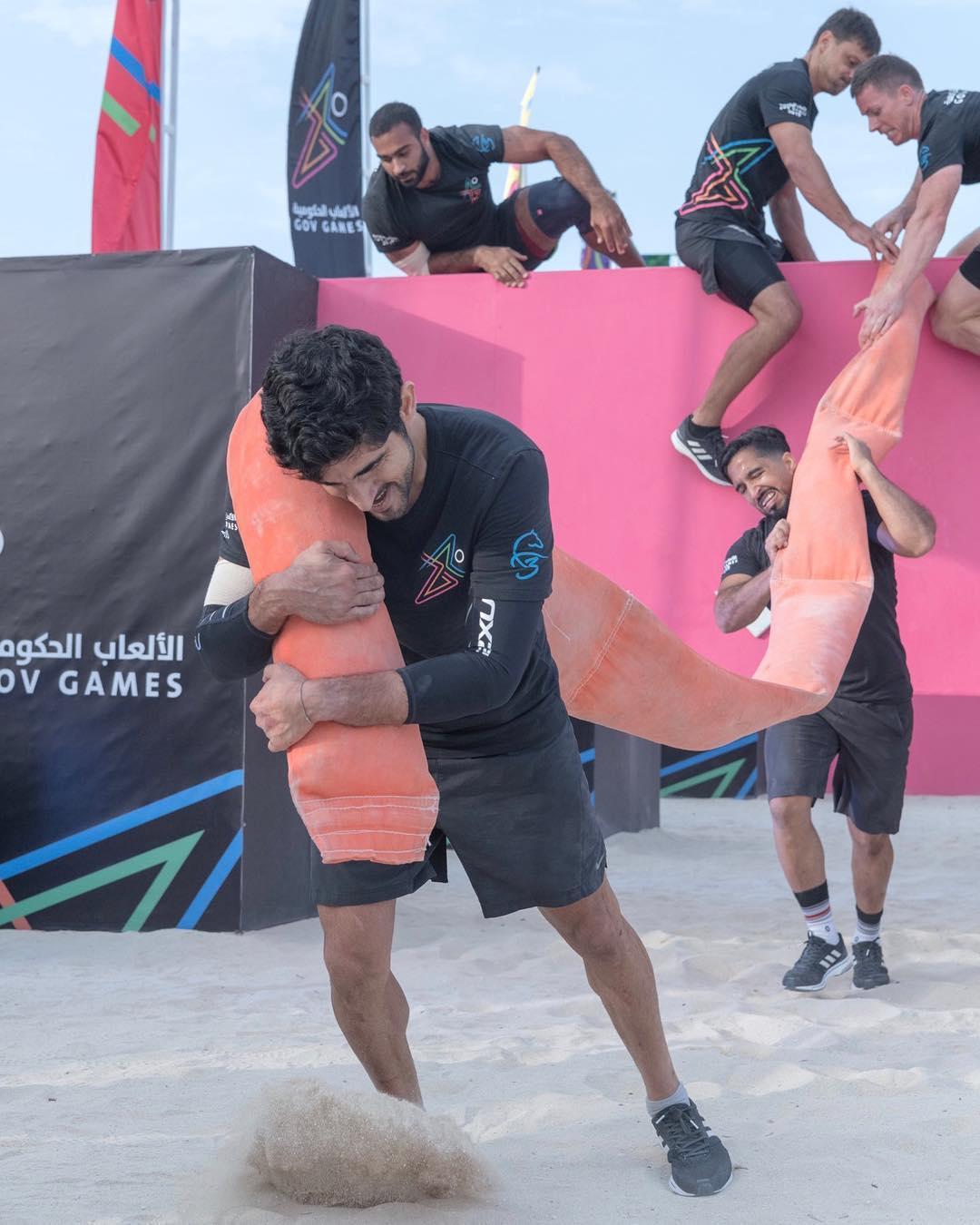 ولى عهد دبى يشارك فى منافسات الألعاب الحكومية بالإمارات  (5)