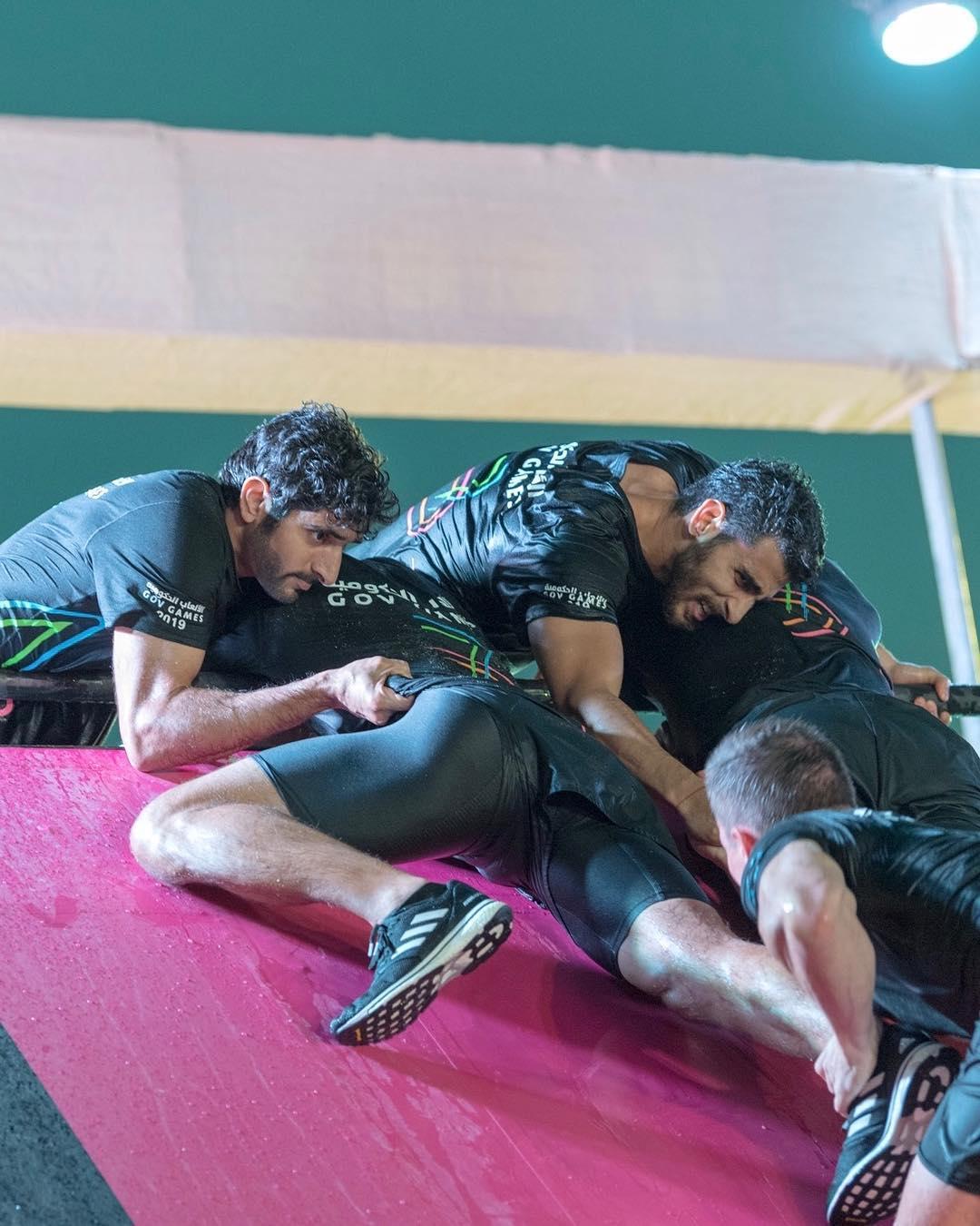 ولى عهد دبى يشارك فى منافسات الألعاب الحكومية بالإمارات  (6)