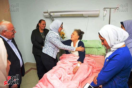 زيارة-وزيرة-الصحة-لبورسعيد-(9)