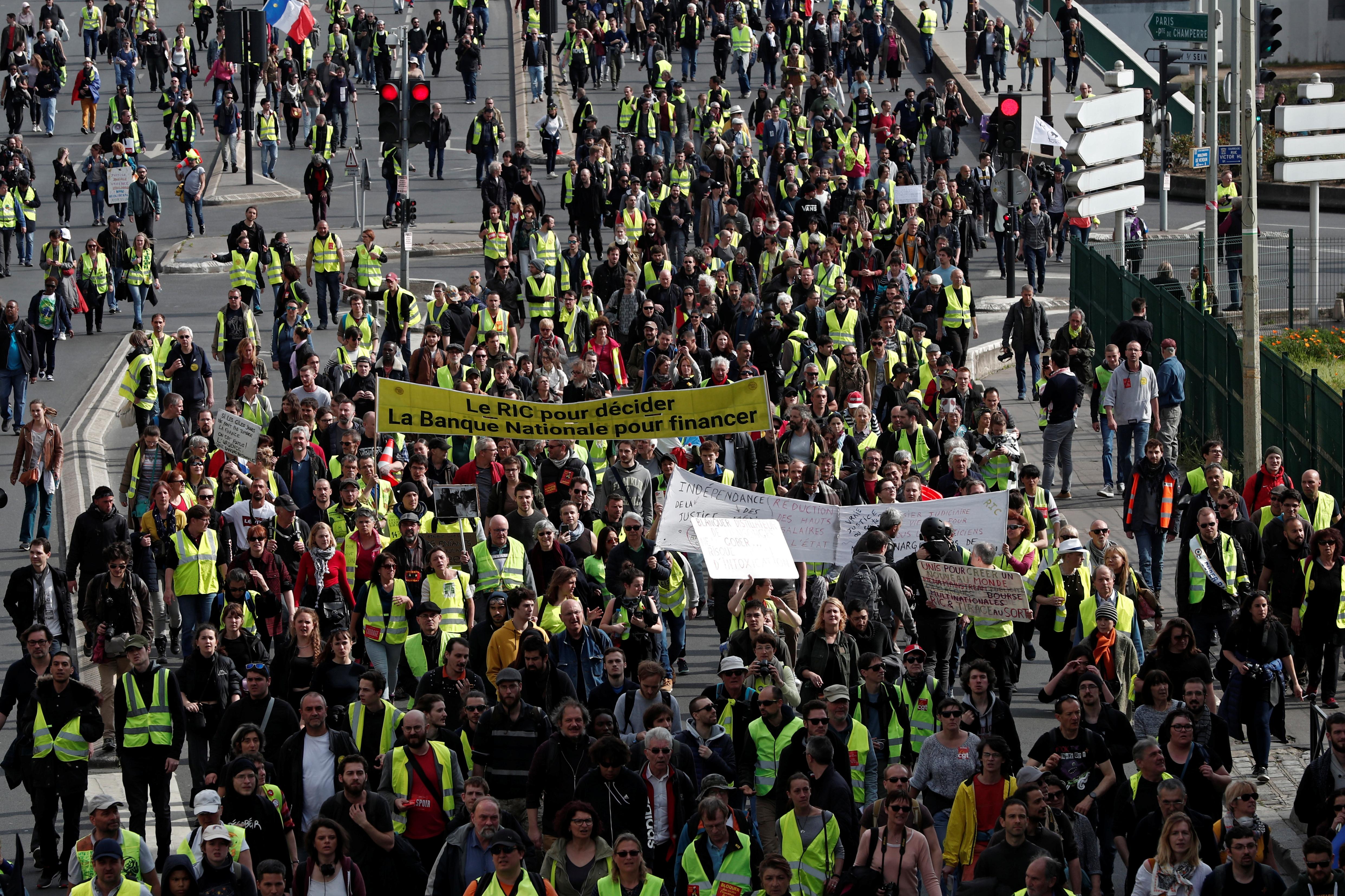 مظاهرات محتجى السترات الصفراء (1)
