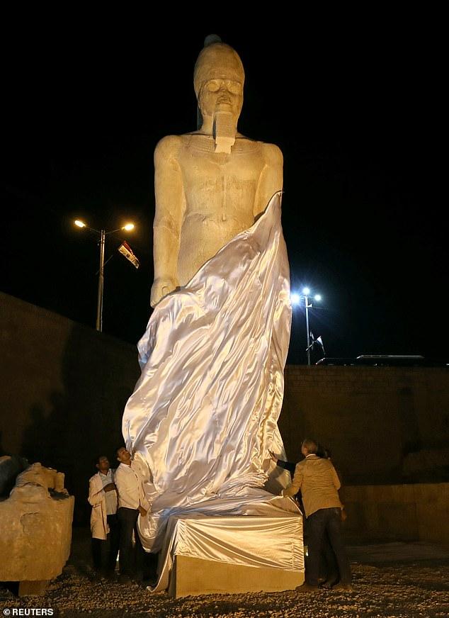 تمثال رمسيس 2
