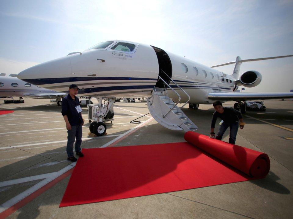 يمتلك جيف بيزوس طائرة نفاثة خاصة