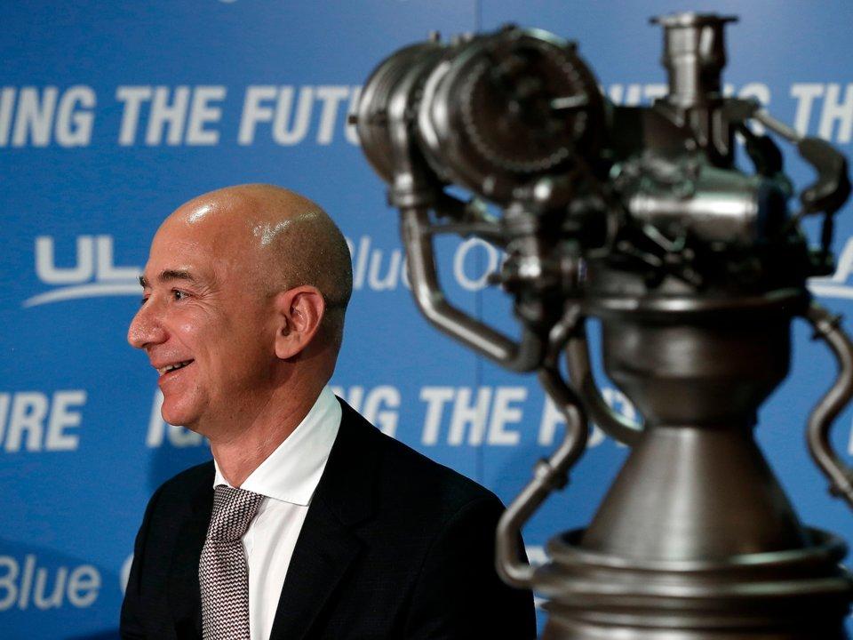 مشروع بيزوس الأكثر طموحًا هو Blue Origin  شركة استكشاف الفضاء التابعة له