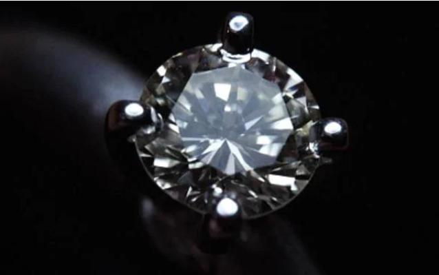 خاتم حفيد نابليون يصل سعره إلى مليون جنيه استرالينى