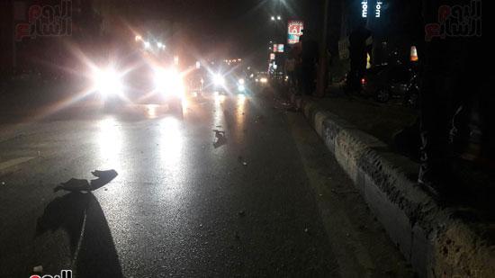 تصادم 5 سيارات وموتوسيكل بسبب مطاردة بين سيارتين بالبطل أحمد عبد العزيز (5)