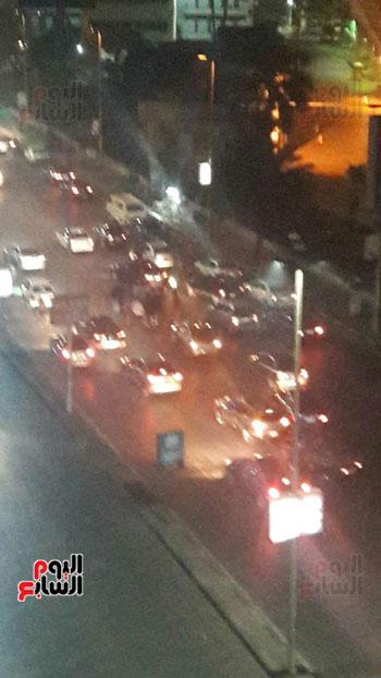 تصادم 5 سيارات وموتوسيكل بسبب مطاردة بين سيارتين بالبطل أحمد عبد العزيز (1)