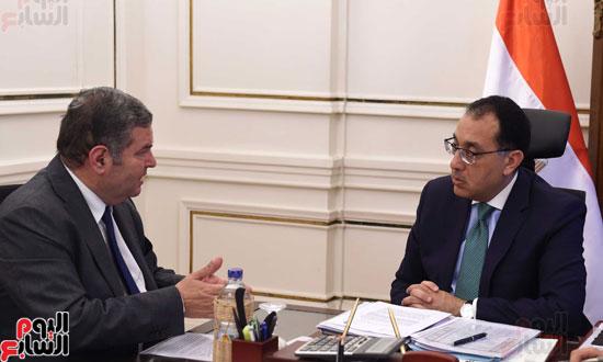 لقاء مصطفى مدبولى وهشام توفيق (4)