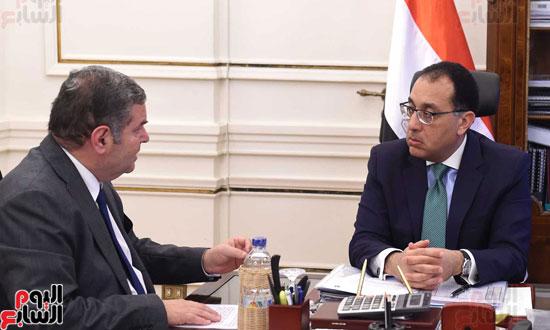 لقاء مصطفى مدبولى وهشام توفيق (2)