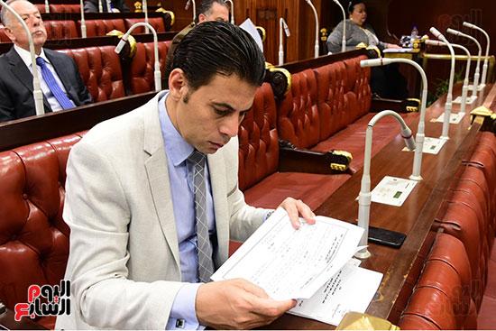 اجتماع لجنة الشئون الدستورية والتشريعية برئاسة الدكتور على عبد العال رئيس مجلس النواب (7)