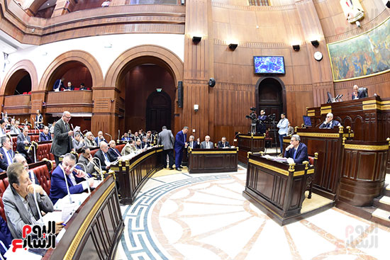 اجتماع لجنة الشئون الدستورية والتشريعية برئاسة الدكتور على عبد العال رئيس مجلس النواب (17)