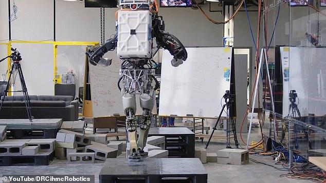 روبوت 2