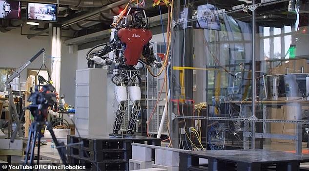 روبوت 3