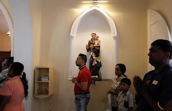 انطلاق أول صلاة بكنيسة فى سريلانكا بعد هجمات عيد الفصح (5)