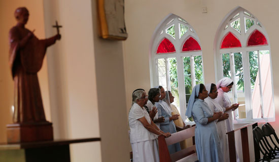 First church prayer to begin in Sri Lanka after Easter attacks (7)