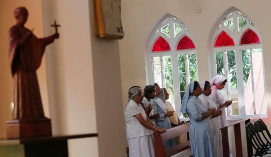 انطلاق أول صلاة بكنيسة فى سريلانكا بعد هجمات عيد الفصح (7)