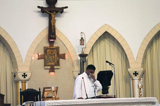 انطلاق أول صلاة بكنيسة فى سريلانكا بعد هجمات عيد الفصح (10)