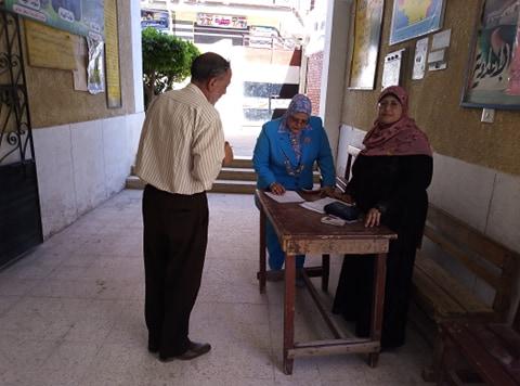 وكيل تعليم كفر الشيخ تتفقد لجان الامتحانات (5)