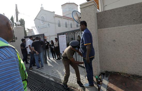 انطلاق أول صلاة بكنيسة فى سريلانكا بعد هجمات عيد الفصح (9)