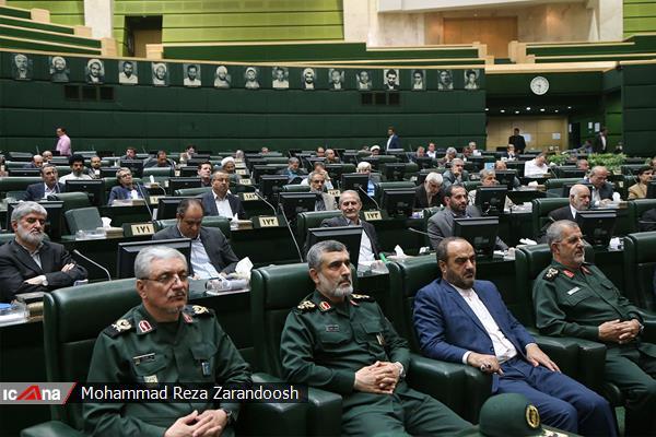 قيادات الحرس الثورى داخل البرلمان