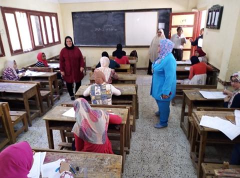 وكيل تعليم كفر الشيخ تتفقد لجان الامتحانات (3)