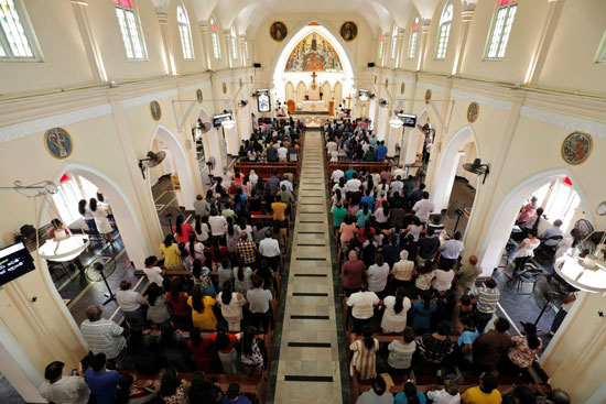 انطلاق أول صلاة بكنيسة فى سريلانكا بعد هجمات عيد الفصح (3)