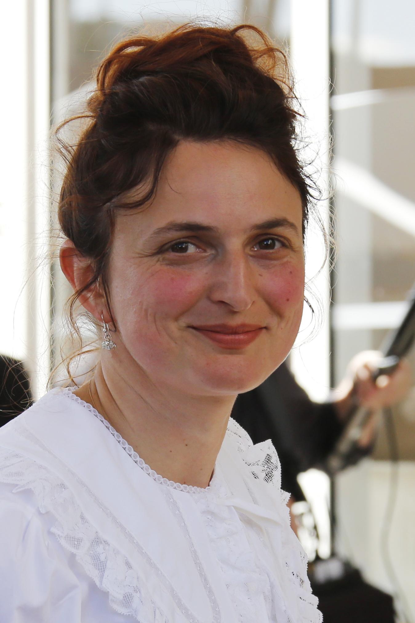 عضو لجنة التحكيم بالمهرجان آليس روهراوشر