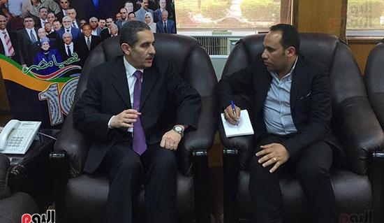 حوار-الزميل-السيد-فلاح-مع-رئيس-جامعة-قناة-السويس-(10)