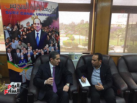 حوار-الزميل-السيد-فلاح-مع-رئيس-جامعة-قناة-السويس-(1)