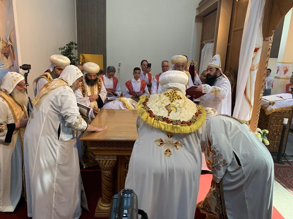 البابا تواضروس يدشن كنيسة العذراء والقديسة فيرينا بالعاصمة السويسرية زيورخ (10)