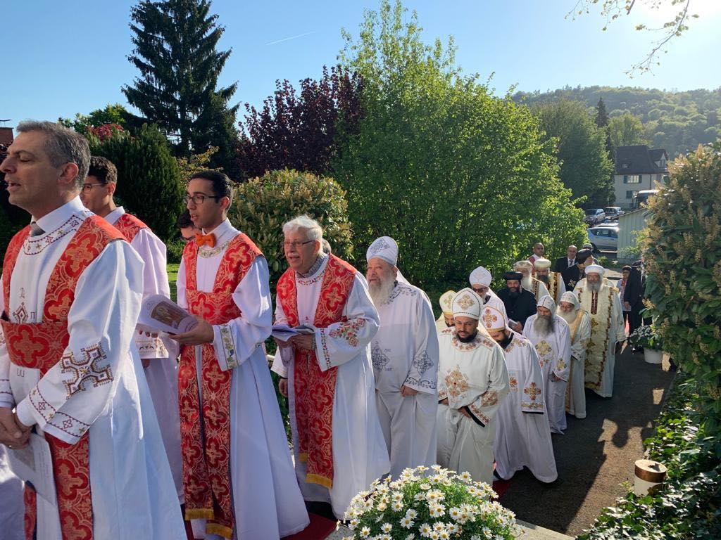 البابا تواضروس يدشن كنيسة العذراء والقديسة فيرينا بالعاصمة السويسرية زيورخ (3)