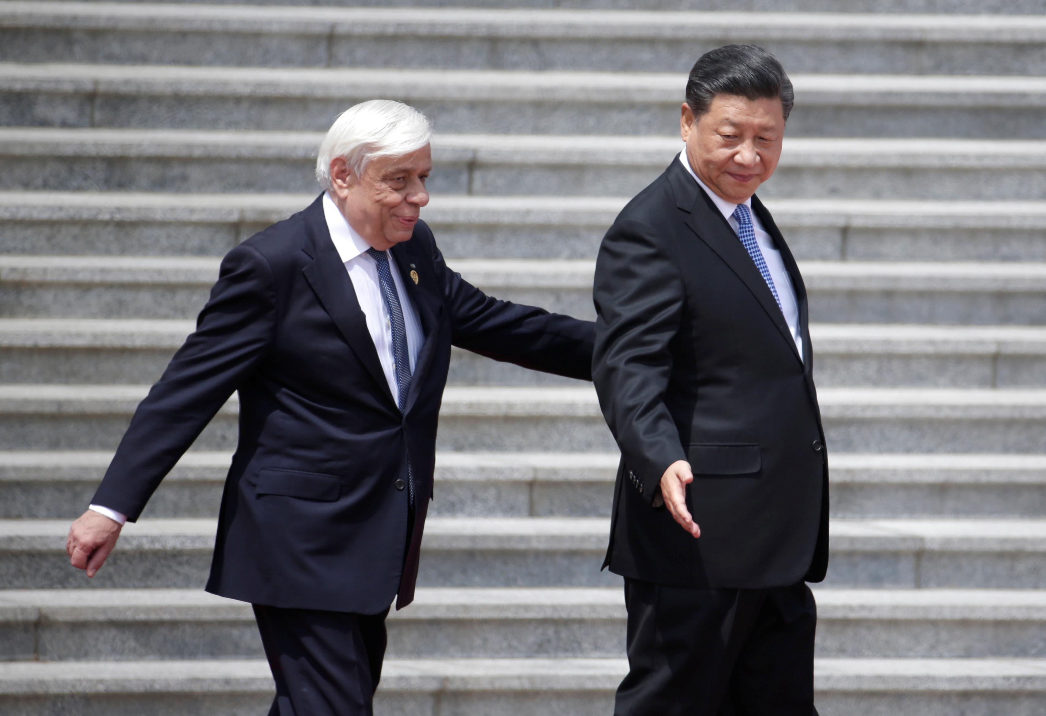 رئيس الصين يلتقى نظيره اليونانى (1)