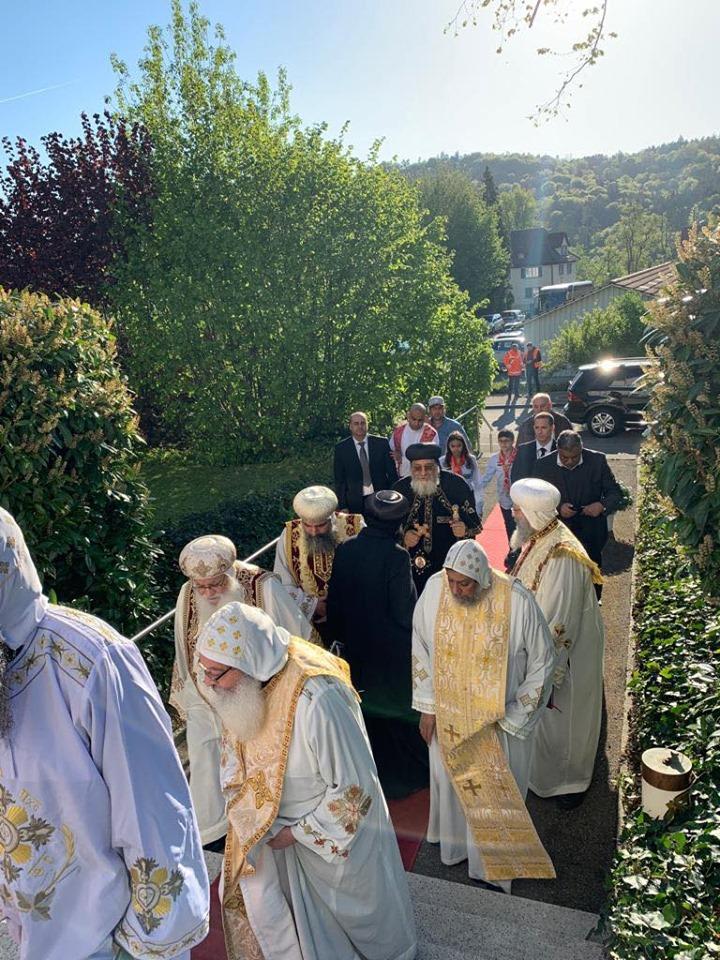 البابا تواضروس يدشن كنيسة العذراء والقديسة فيرينا بالعاصمة السويسرية زيورخ (6)