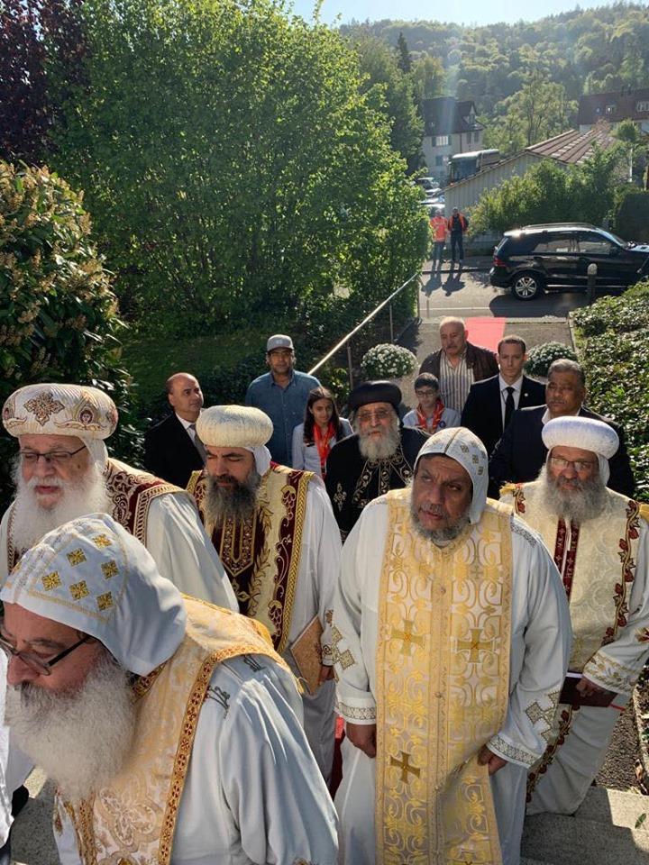 البابا تواضروس يدشن كنيسة العذراء والقديسة فيرينا بالعاصمة السويسرية زيورخ (5)