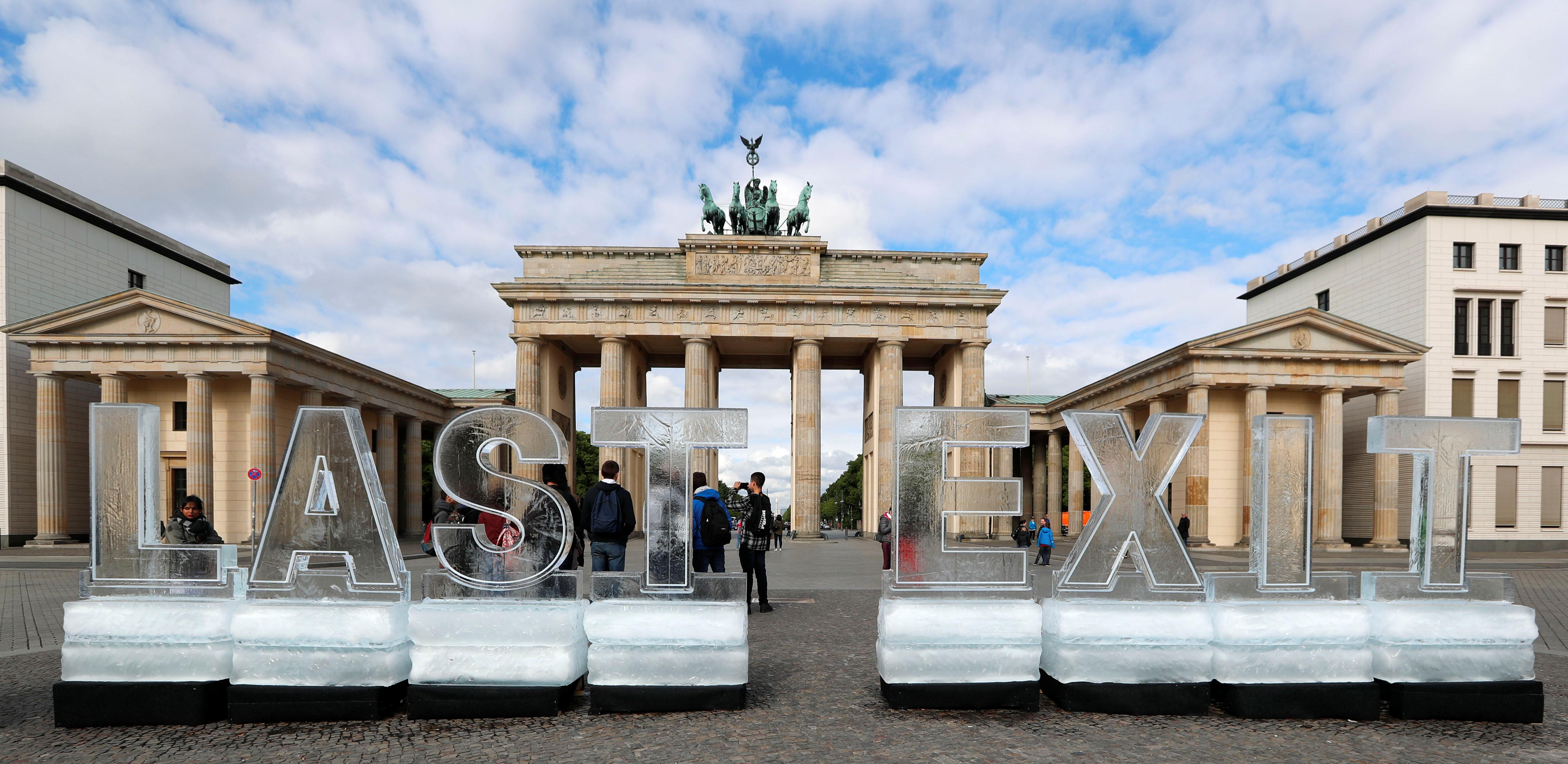 حوار بطرسبرج فى برلين (1)