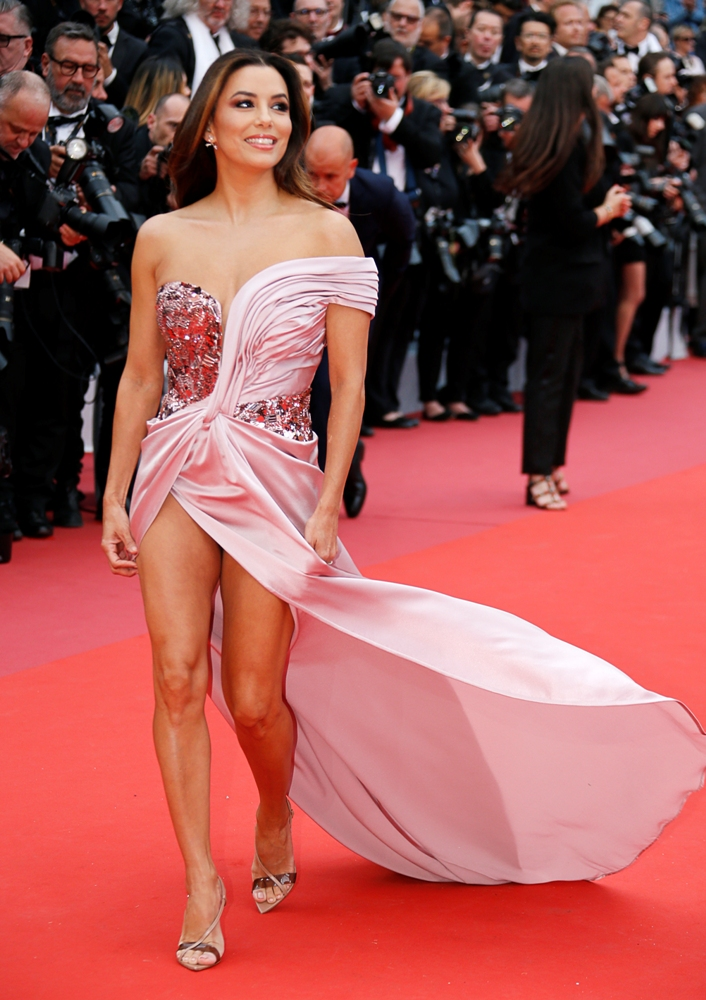 2019-05-14T170455Z_1667031905_UP1EF5E1BG729_RTRMADP_3_FILMFESTIVAL-CANNES-OPENING-CEREMONY