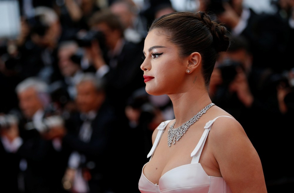 2019-05-14T173229Z_1710129829_UP1EF5E1CQ553_RTRMADP_3_FILMFESTIVAL-CANNES-OPENING-RED-CARPET