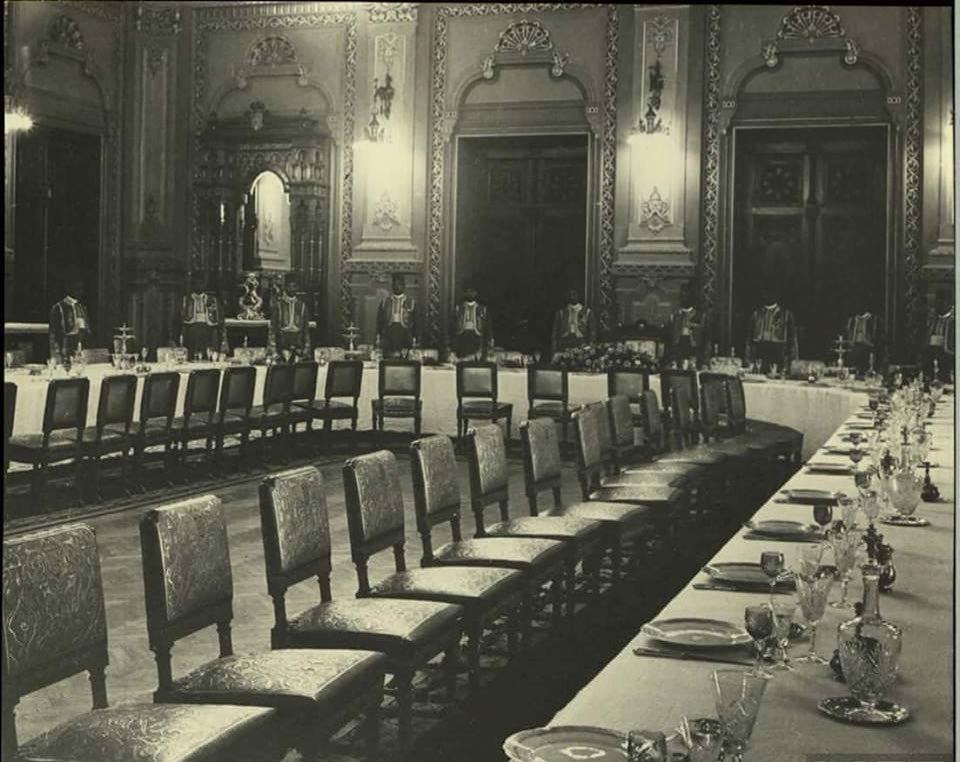 قاعة الطعام الرئيسية فى قصر عابدين