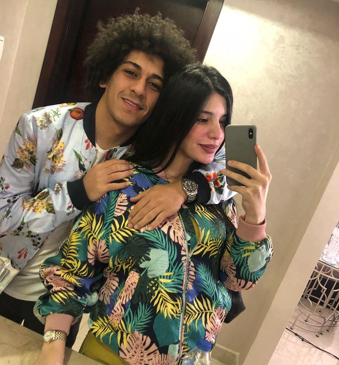 حسين السيد وزوجته