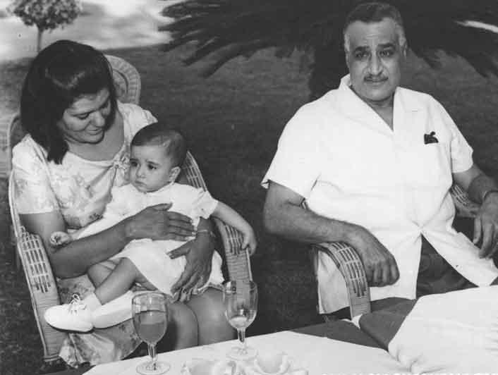 عبد الناصر وزوجته تحية