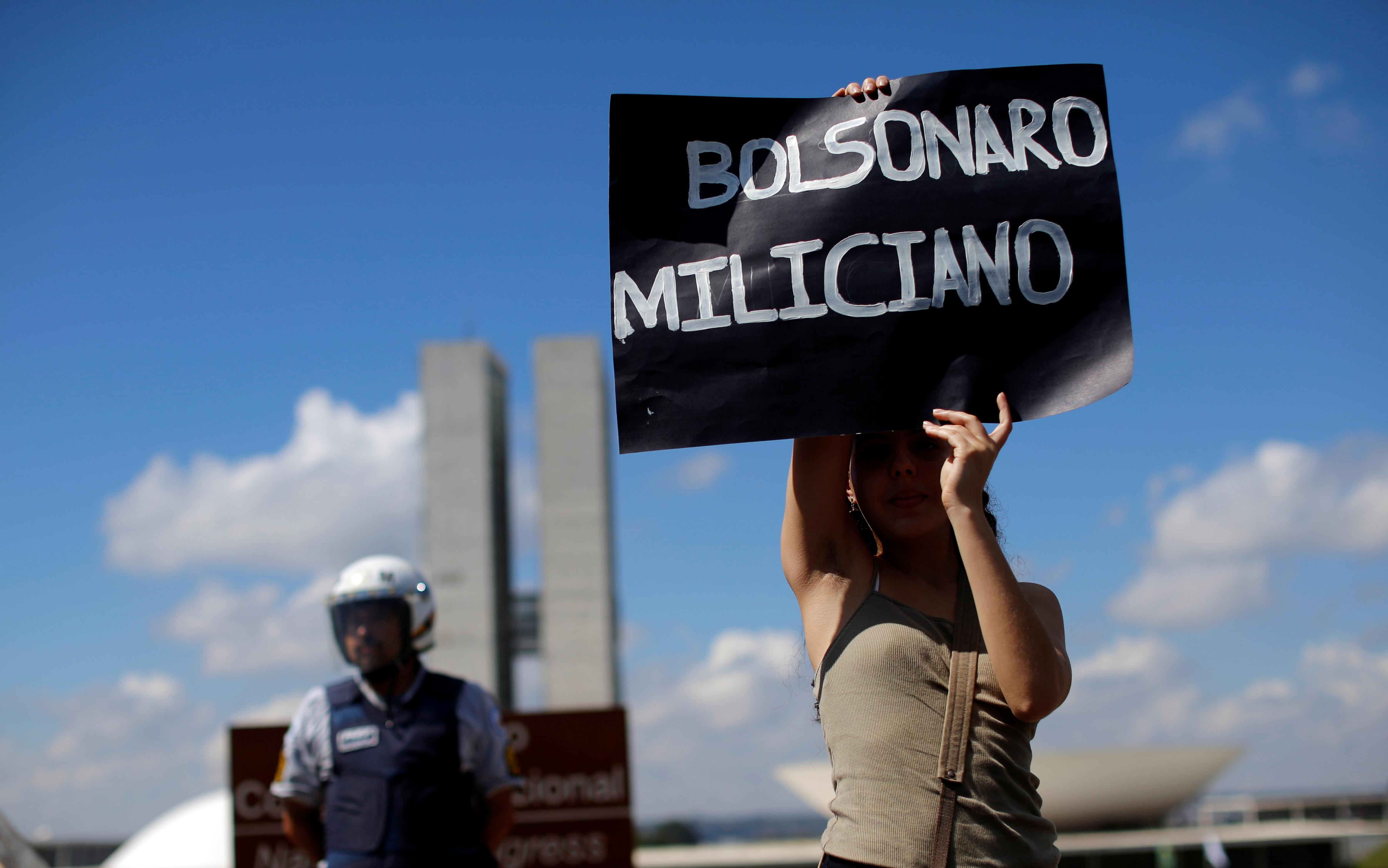 2019-05-15T170728Z_703490536_RC1643F7BE20_RTRMADP_3_BRAZIL-POLITICS-EDUCATION