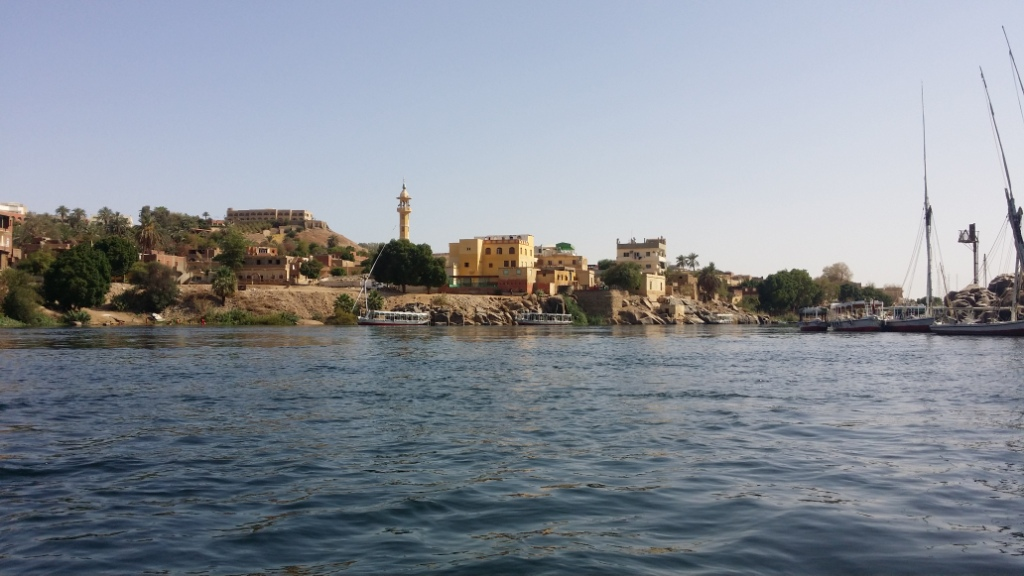 نهر النيل بأسوان