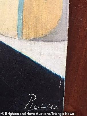 توقيع بيكاسو على اللوحة