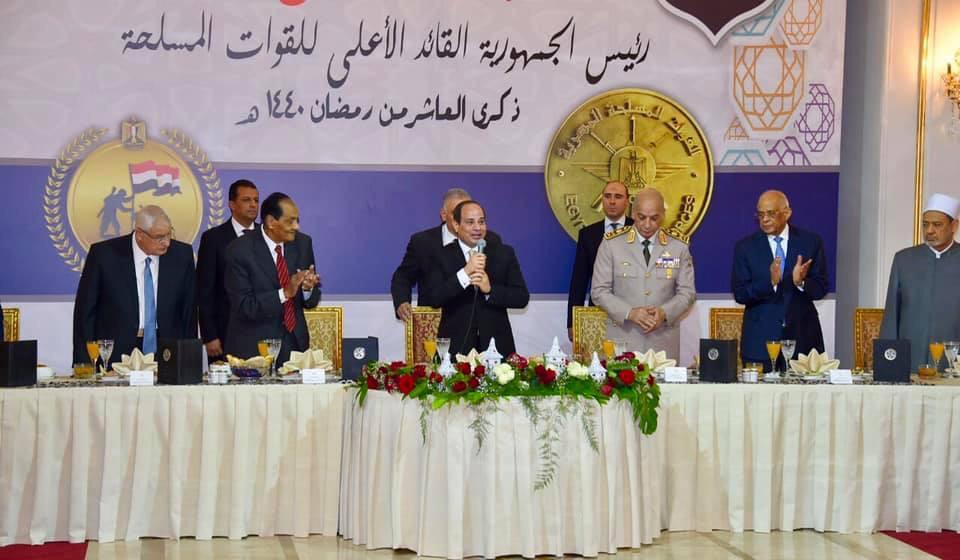 الرئيس السيسى يشارك فى حفل الإفطار السنوى للقوات المسلحة (3)