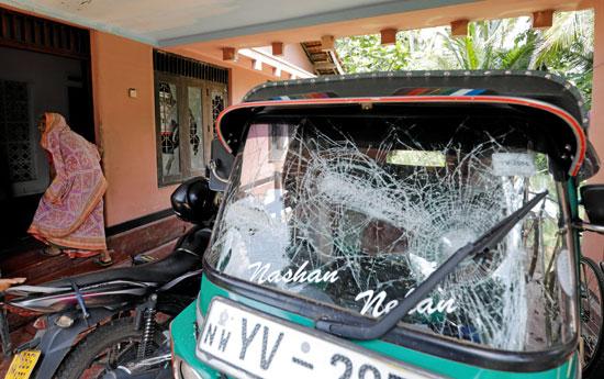 رهبان-بوذيون-بسريلانكا-يتظاهرون-احتجاجا-على-هجمات-ضد-المسلمين-(6)