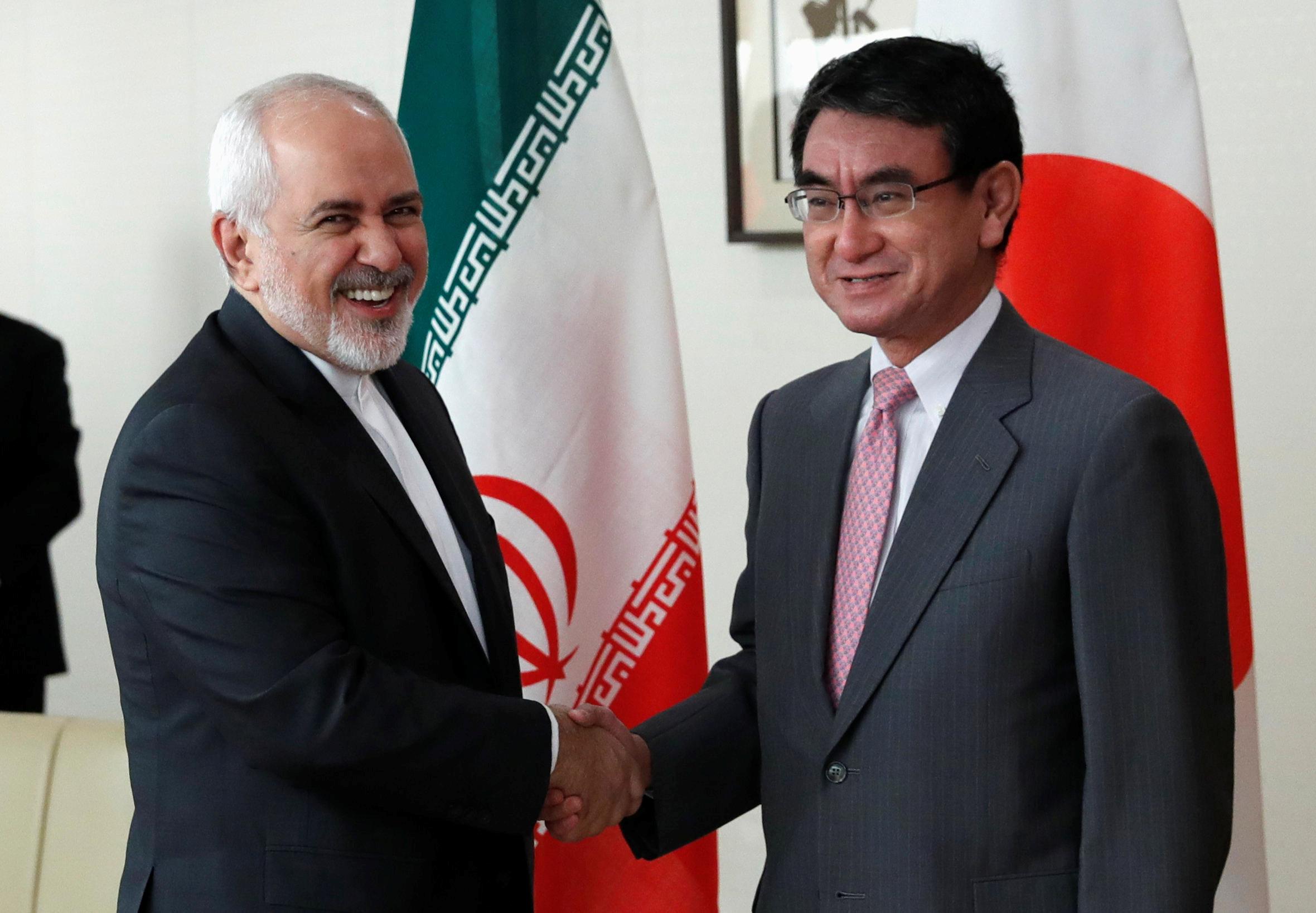 وزير الخارجية الإيرانى ونظيره اليابانى