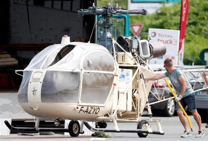 أخطر عملية هروب من السجن بهليكوبتر (2)