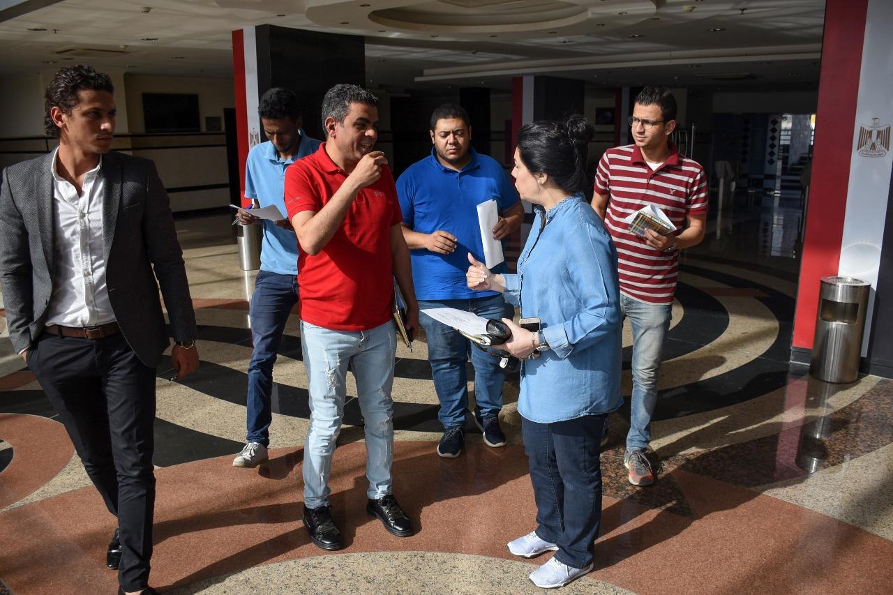 جهاد عامر تتفقد استاد الدفاع الجوى لوضع التوزيع المبدئى للمتطوعين