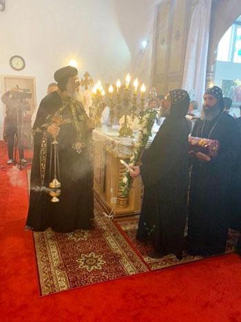 البابا تواضروس يترأس صلوات عشية القديس اثناسيوس الرسولى (18)